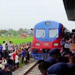 सुरज पण्डितको मार्मिक गित 'रेलको बाटो पुग्दैछ रे ! तिमी बस्ने शहरमा' (भिडियो )