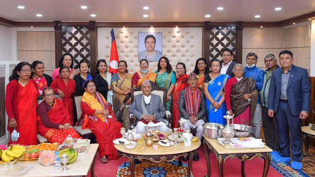 प्रधानमन्त्री केपी शर्मा ओलीले जन्मदिन मनाए !